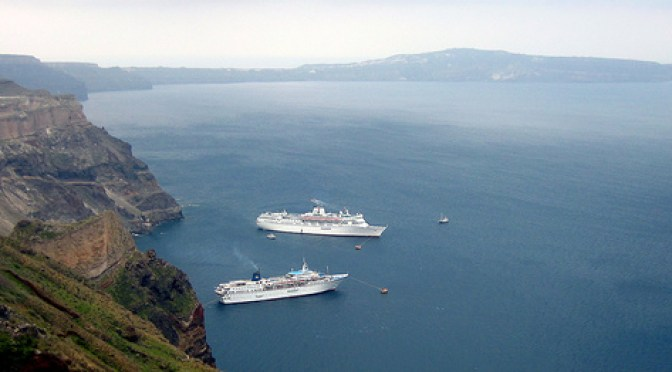 cruise ships off of Santorini ccImage courtesy of Nunavut on Flickr