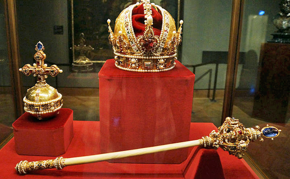 800px-imperial_crown_orb_and_sceptre_of_austria_imperial_treasury-rec