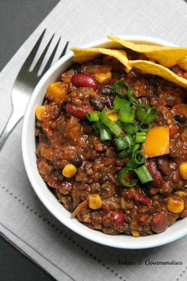 chili aux 3 haricots, végane et abordable