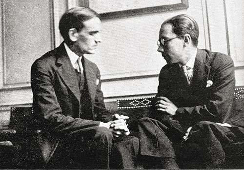 Vallejo hablando con su amigo íntimo Ernesto More.