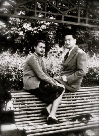 BLANCA VARELA y su amigo Augusto Salazar Bondy c.1950 autor desconocido Archivo BV