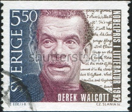 Estampilla postal en honor al poeta Derek Walcott