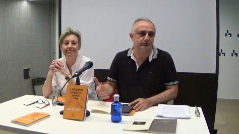 Presentación del poemario con la autora