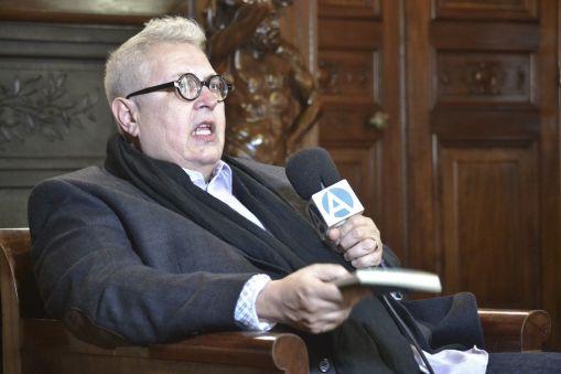 El poeta Víctpr Rodríguez Núñez. Madrid, 2015