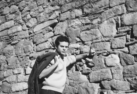El escritor Francisco Ferrer Lerín joven en Pedralbes-España