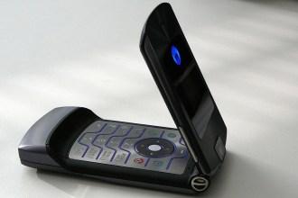 1280px-Motorola_RAZR_V3i_01