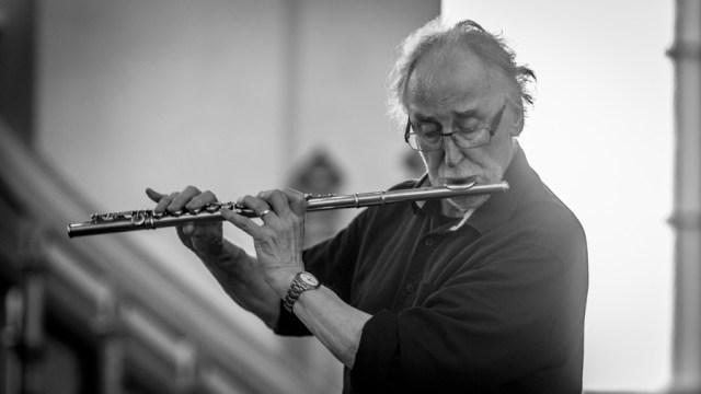 Juhani Aaltonen kirkkokonsertissa Raahen kirkossa kesällä 2014