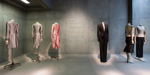 http://www.vam.ac.uk/content/exhibitions/exhibition-alexander-mcqueen-savage-beauty/inside-the-exhibition/