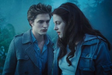 edward-cullen-bella-swan-blue-woods