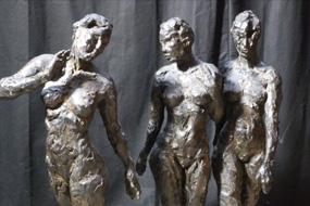Towards in bronze