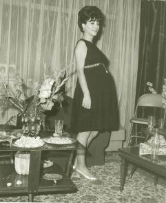 Oct 1969 Tehran - Simin expecting Sogoli