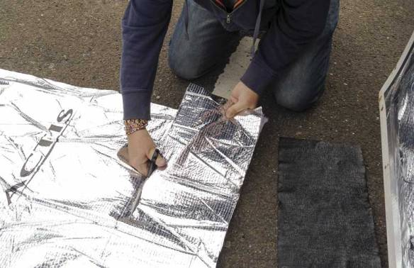 cutting the Triso Super 10 Plus thermal insulation down to size
