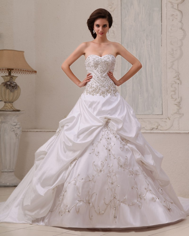 a line dresses aline wedding dress Elegant Tulle Bateau Neckline A line Wedding Dresses With Lace Appliques