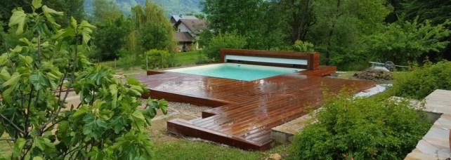 Piscine carree avec terrasse en ipe