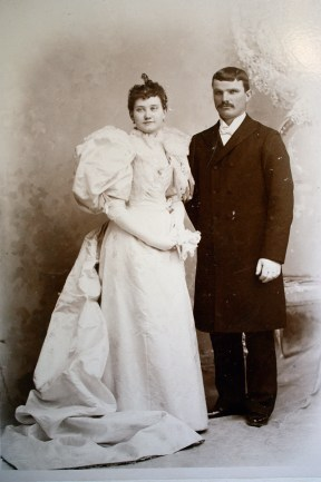 my great great grandparents. what i wouldn't give for THAT dress!