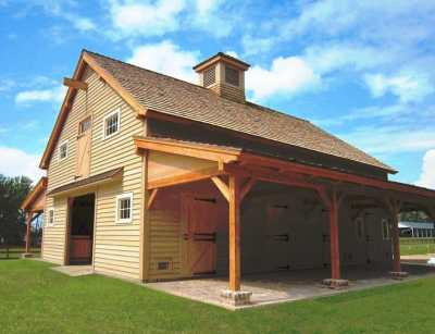 Carolina Horse Barn: Handcrafted Timber Stable
