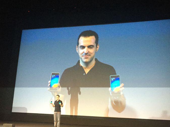 Hugo-Barra-Holding-Xiaomi-Mi-4i