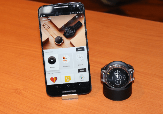 Moto 360 2nd Gen with Smartphone connected