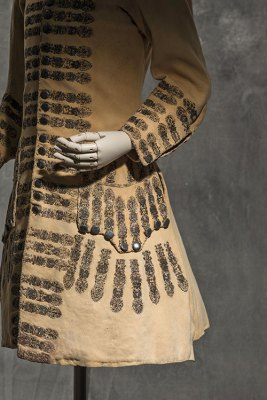 Hunting coat, around 1690, metallic-thread embroidered hide