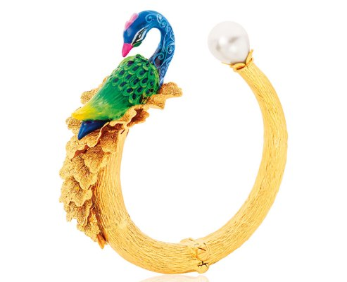 Peacock bangle, with handcrafted meenakari, in 22-carat gold