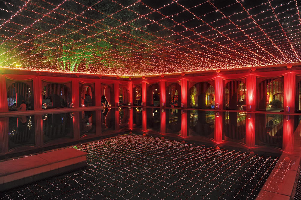 Sheesh Mahal inspired decor by Neelabh Kapoor