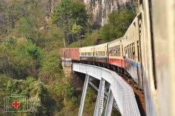 Cruzando el viaducto de Gokteik