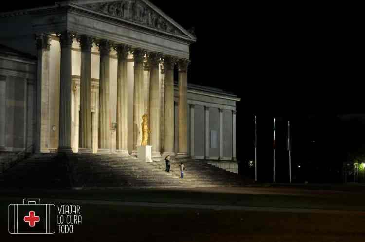 Escala Munich nocturna