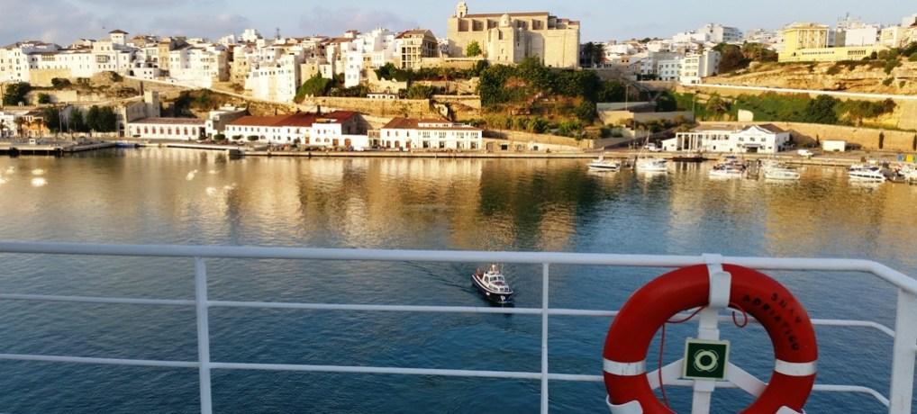 Viajar a Menorca en barco con TRASMEDITERRANEA
