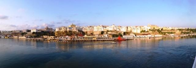 Panorámica del puerto de Mahon, visto desde el buque ADRIATICO