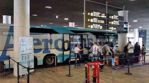 Aerobus en la T1 del aeropuerto BCN