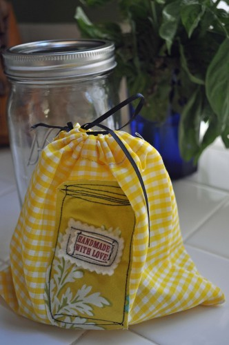Sew Up a Canning Jar Bag to Hold Canning Jar Lids and Rings