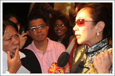 Vilma Santos being interviewed by The Buzz