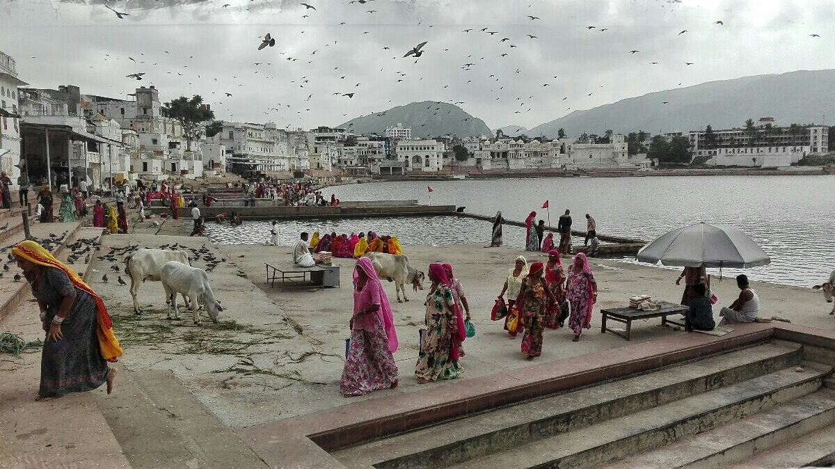 Videonauts backpacking Indien - Pushkar Ghats