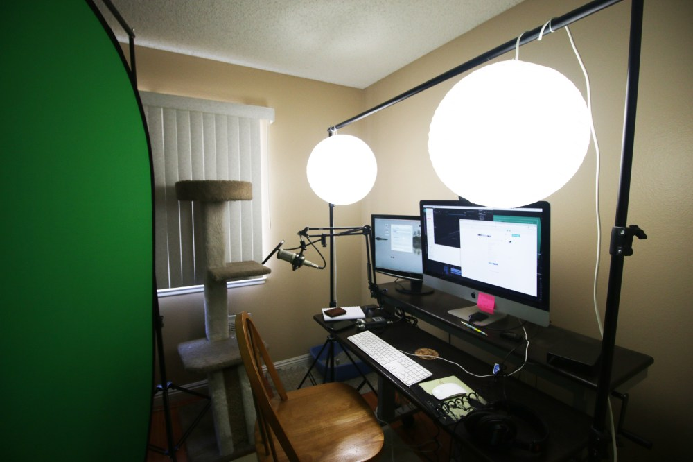 collapsible green screen setup