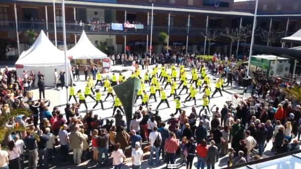 PERLES-le-flashmob-daftpunk-des-policiers-de-sa-majeste