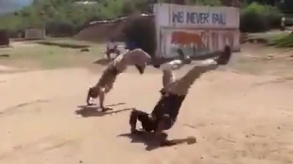 PERLES-seance-de-tir-originale-pour-la-police-indienne
