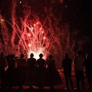 El castell de focs artificials posa el fermall d'or als més de 220 actes de les festes de sant Pasqual