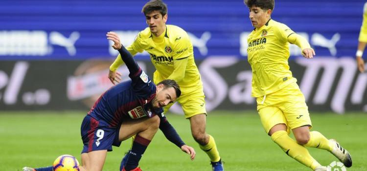 El Villarreal suma un empat davant l'Eibar en un partit frenètic en què van brillar els porters (0-0)