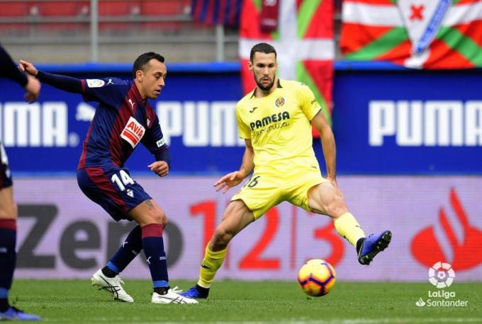 El lateral esquerrà Alfonso Pedraza, durant el partit.  FOTO: LALIGA