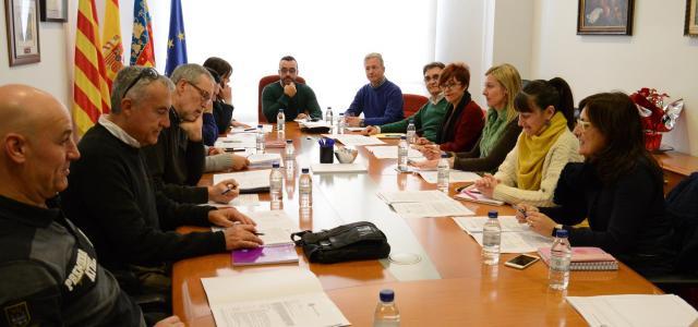 Benlloch trasllada als directors dels centres docents les millores en el contracte de neteja de les escoles públiques