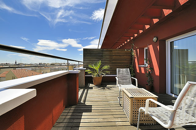 Terrace of a room at the hotel Vincci Soma 4* Madrid.