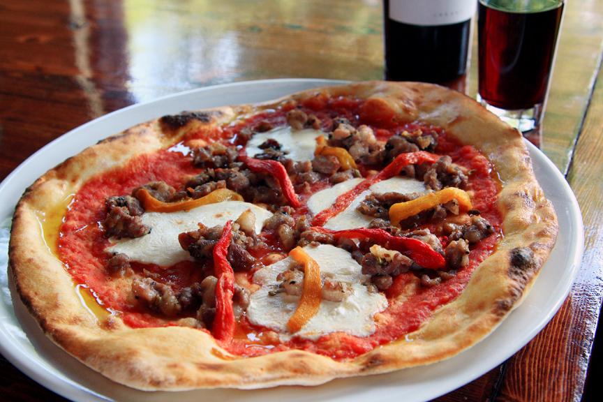 Pizze Salsiccia e Peperoniw