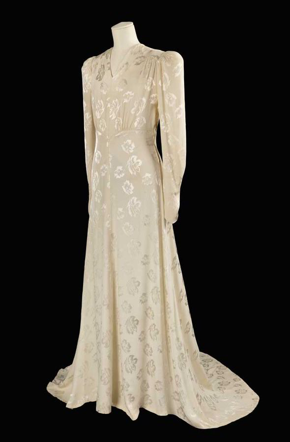 Fashion-on-the-Ration-1940s wedding gown