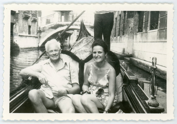 original-1960s-vintage-photo-venetian-gondola-father-and-daughter