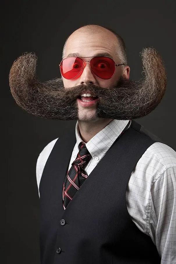 barbas y bigotes 2