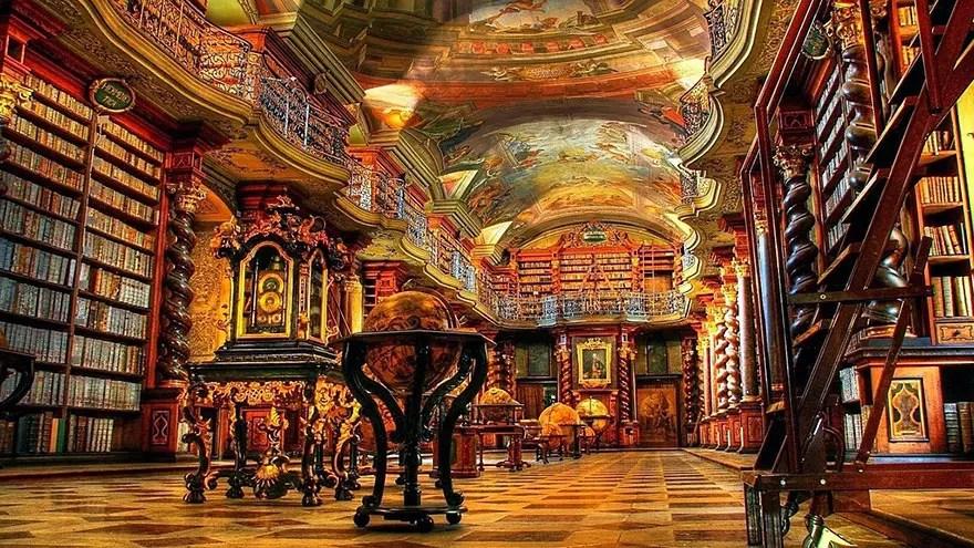 biblioteca-praga6