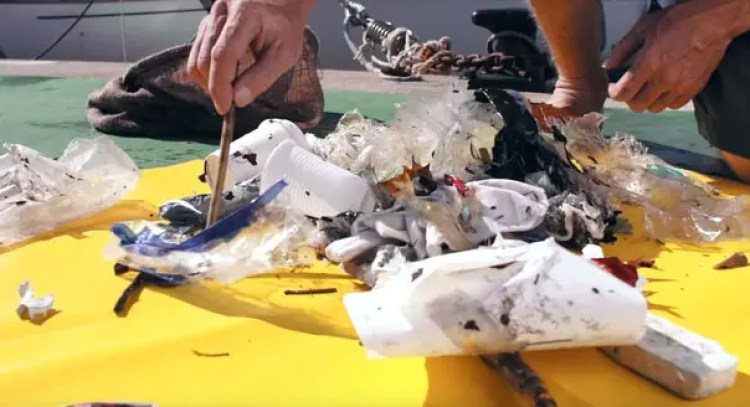 papelera-flotante-para-limpiar-el-mar2