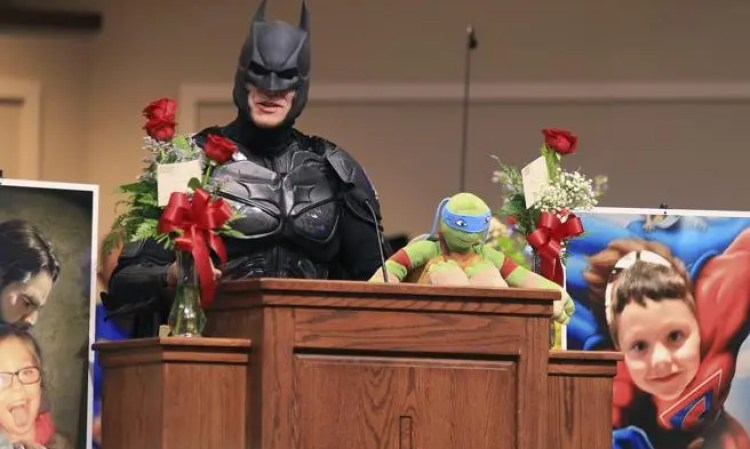 emotivo-funeral-superheroes-16