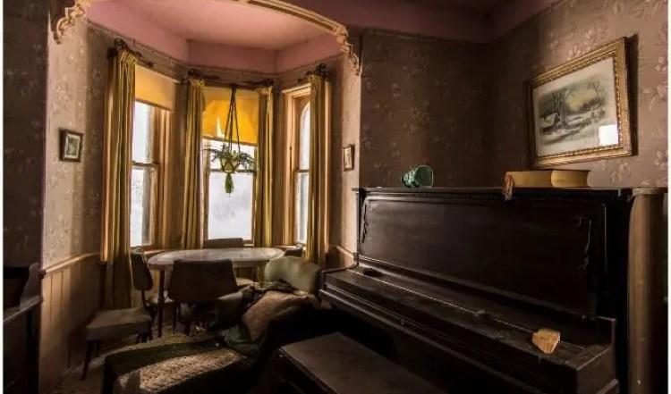 sorprendentes-imagenes-casa-abandonada-2