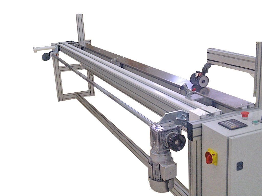 Visdeltex VU C ESTOR. Máquina automática para el corte longitudinal de estores